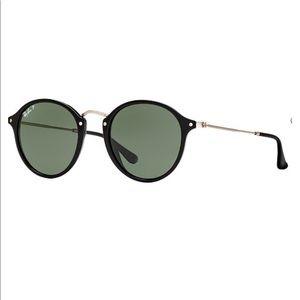 Ray Ban Black Round Fleck Sunglasses